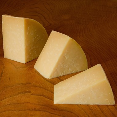 Quicke's Ewes' Milk Clothbound Cheese